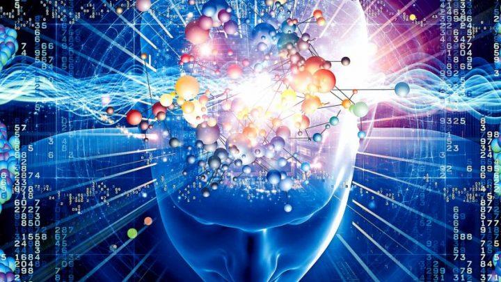 Un cerebro con superpoderes. La fusión de la mente humana con dispositivos artificiales podría expandir capacidades cerebrales.