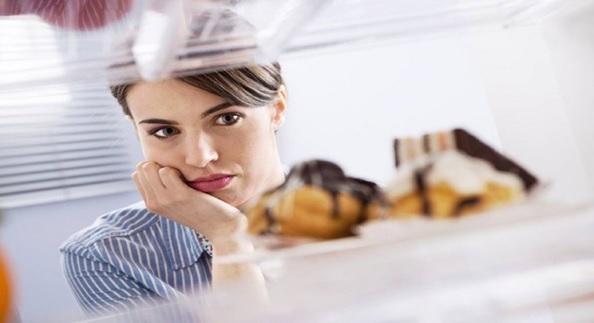 Descubren circuito neuronal que disminuye el deseo de comer a través del aumento del estrés.
