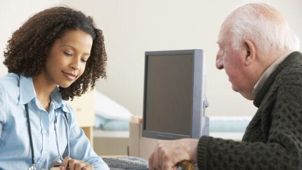 Cáncer de próstata: el innovador tratamiento que puede combatir uno de los tipos de cáncer más comunes entre los hombres