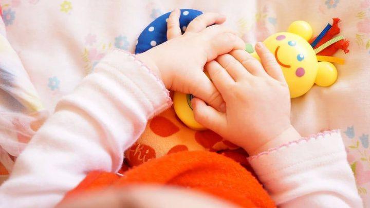 Un estudio encuentra que los antibióticos antes de los 2 años están asociados con problemas de salud infantil