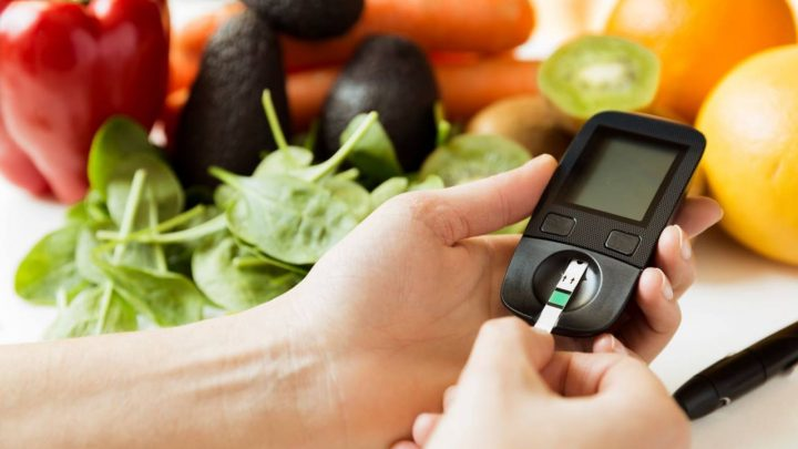La hiperglucemia o hipoglucemia: ¿cómo evitarla y controlarla?