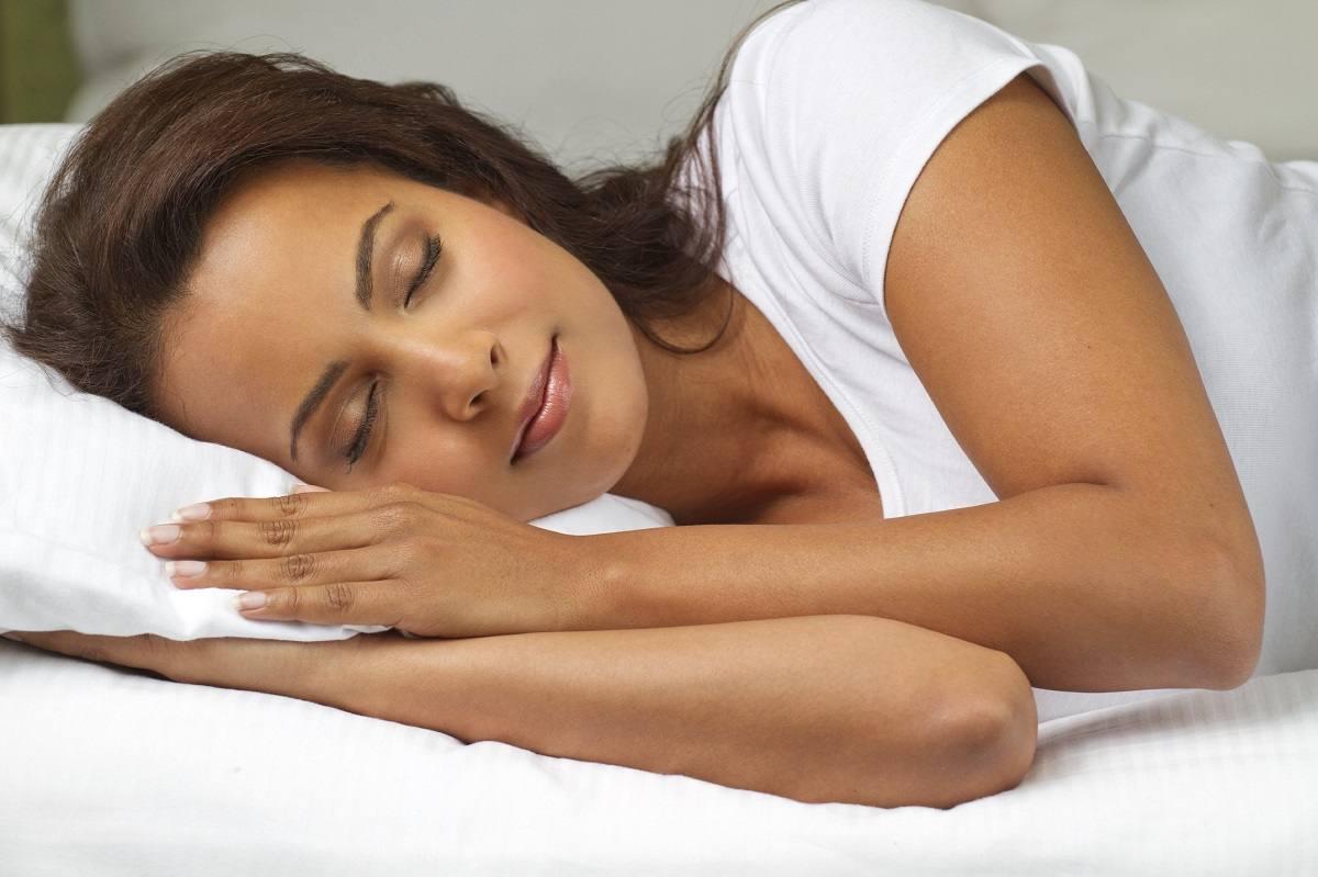 Comer sano, dormir y descansar bien te permiten crear defensas contra la gripe