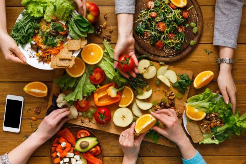 Consuma vitamina B12 y evite la comida chatarra si opta por el veganismo en enero