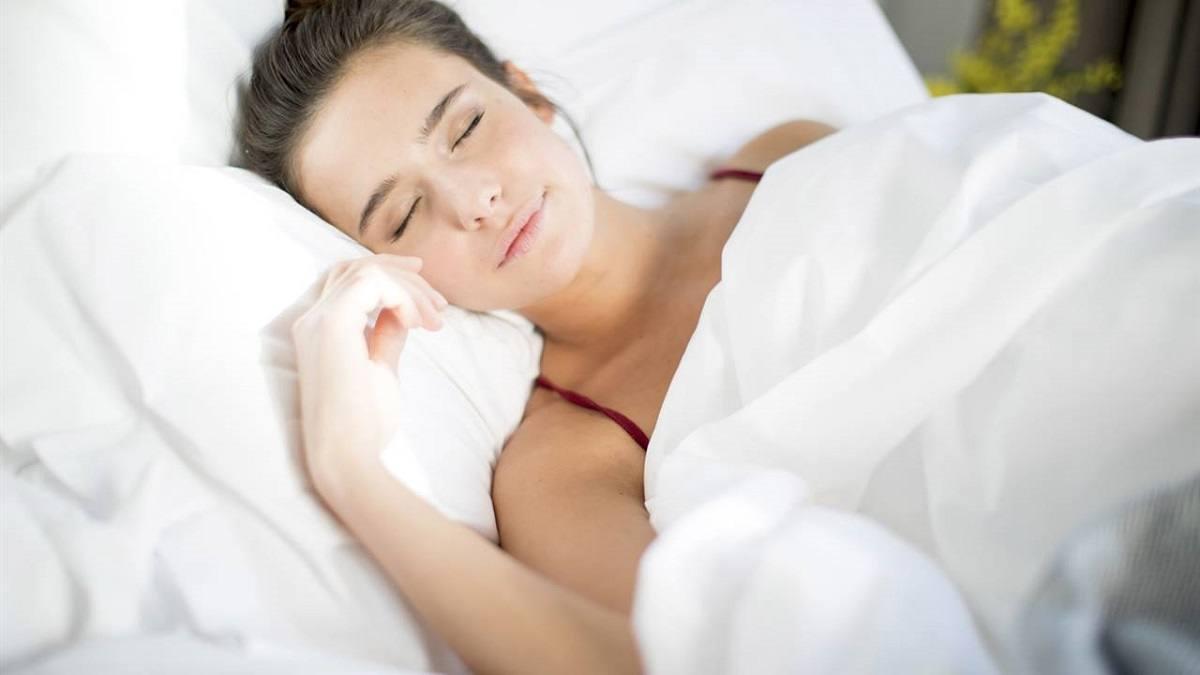 Qué alimentos debe y no debe comer antes de dormir