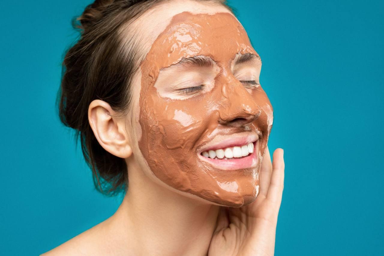 ¿Con tiempo libre por el coronavirus? 4 tratamientos para cuidar la piel y sentirte mejor