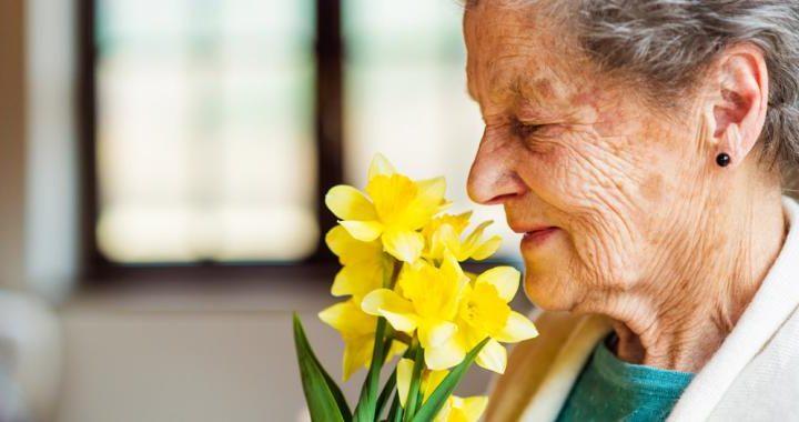 Un nuevo wearable que estimula el olfato podría prevenir el alzhéimer