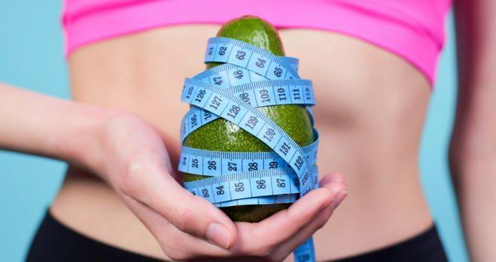 Tomar aguacate ayuda a distribuir mejor la grasa abdominal en mujeres